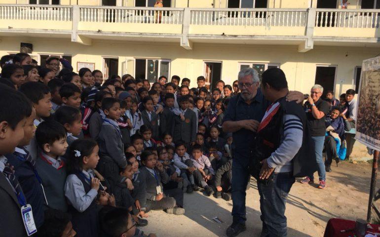 Magia nens Amics del Nepal