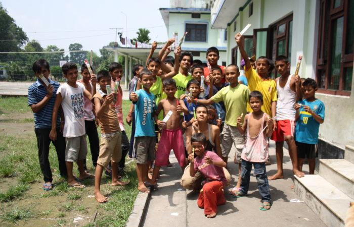 casa collida amics del nepal