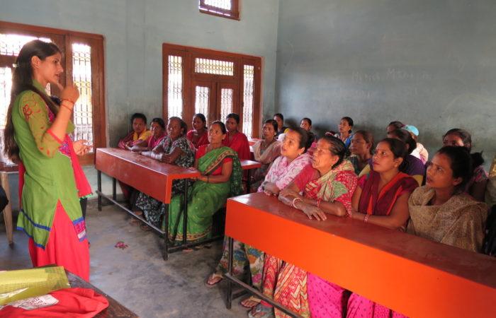 dones amics nepal