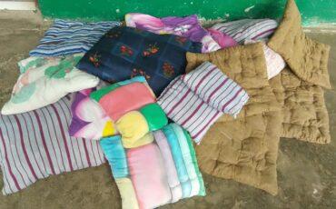 Cojines hechos a mano durante el confinamiento en Bhimphedi